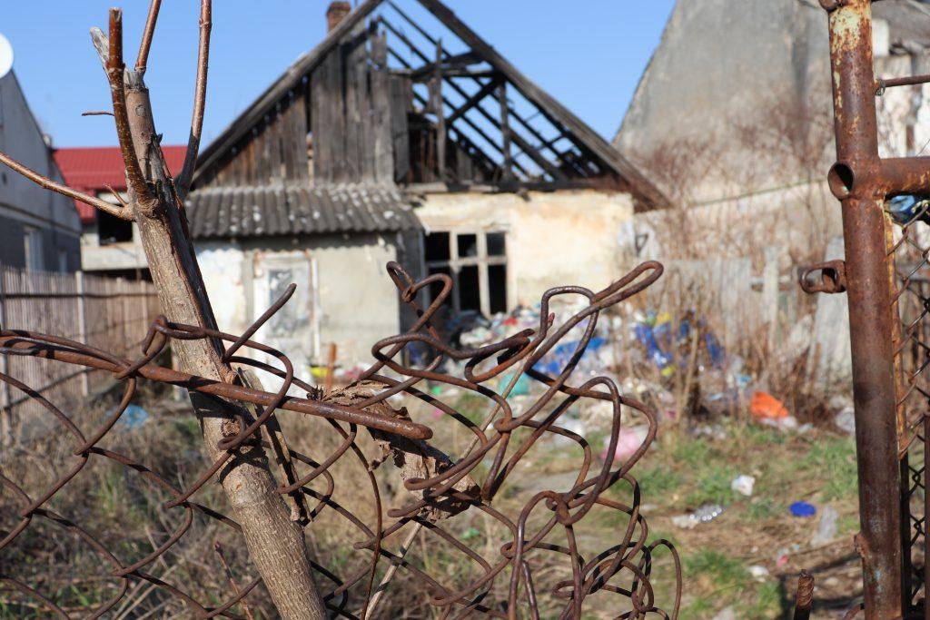 """Яка доля занедбаного будинку в Миколаєві, що по сусідству з садочком """"Теремок""""?"""